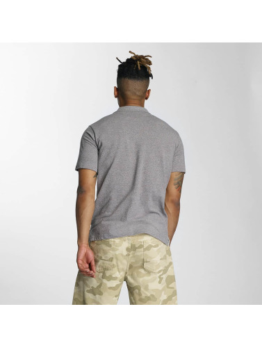 Wrung Division Hombres Camiseta polo Signature in gris