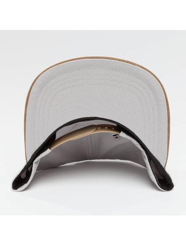 Wrung Division Snapback Cap Block in grau