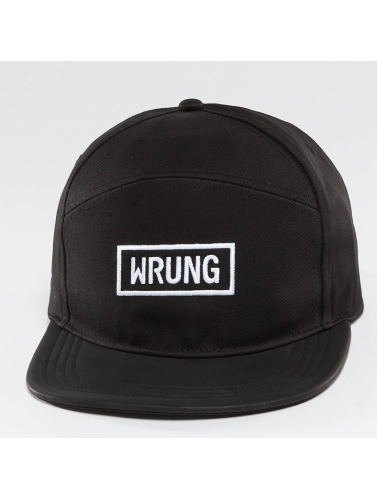 Wrung Division Snapback Cap Box in schwarz