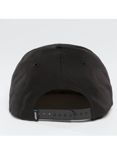 Wrung Division Snapback Cap Sigle in schwarz