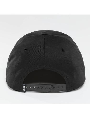 Wrung Division Snapback Cap Block in schwarz