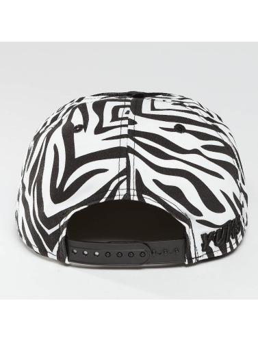 Yums Snapback Cap New Era Wildlife in schwarz
