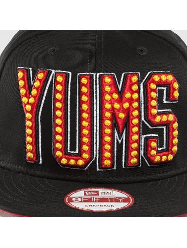 Yums Snapback Cap Era Neon Lights in schwarz