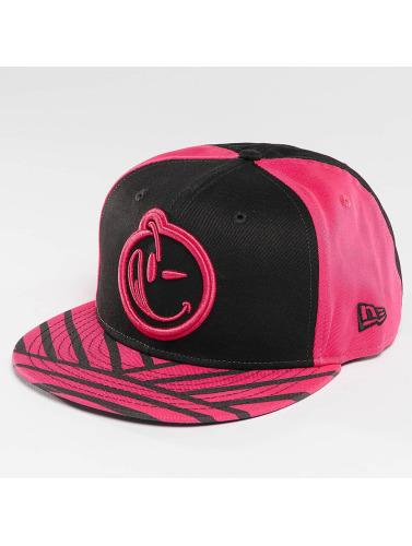 Yums Snapback Cap Era Bohemian in schwarz