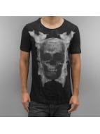 Skull T-Shirt Black...