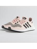 adidas Сникеры Swift Run J лаванда