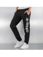 adidas Joggingbyxor Regular OH svart