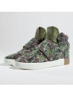 adidas Sneakers Tublular Invader Strap oliwkowy