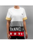 adidas T-paidat Banned valkoinen