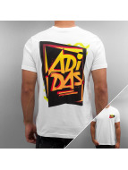 adidas t-shirt 80s Show Graphic wit