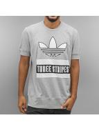 adidas T-Shirts BranD gri