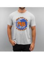 Amplified Camiseta Nas World gris
