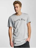 Cayler & Sons T-skjorter Family First grå
