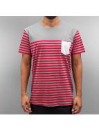 Cazzy Clang T-shirtar Strong röd