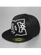 DC Flexfitted Cap Ya Heard zwart