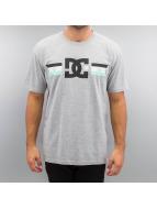 DC T-Shirt Flagged grey