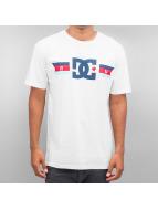 DC T-Shirt Flagged white