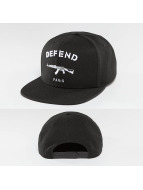 Defend Paris Snapback Cap Logo schwarz