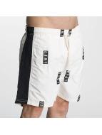 Grimey Wear Pantalón cortos Stick Up blanco