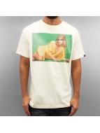 Grimey Wear T-skjorter Infamous Elvira hvit