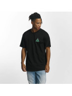 HUF T-paidat Dimensions Triangle musta