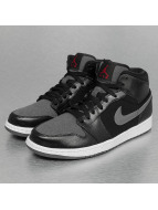 Jordan Baskets 1 Mid Winterized noir