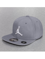 Jordan Fitted Capler Jumpman gri