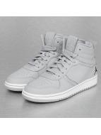Jordan Sneaker Heritage BG grau