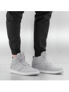 Jordan Sneaker Heritage grau