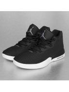 Jordan Sneakers Academy èierna