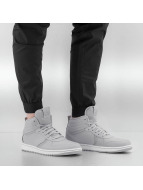 Jordan Sneakers Heritage gray