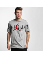 Jordan T-Shirt Stretched grau