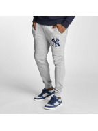Majestic Athletic Jogginghose NY Yankees grau