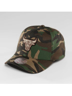 Mitchell & Ness Кепка с застёжкой NBA Woodland Camo And Suede Chicago Bulls камуфляж