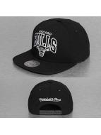 Mitchell & Ness Gorra Snapback Black and White Arch Chicago Bulls negro