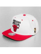 Mitchell & Ness Snapback Cap Chicago Bulls bianco