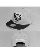 Mitchell & Ness Snapback Cap Black USA Brooklyn Nets grau