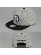 Mitchell & Ness Snapback Cap Grey Duster Brooklyn Nets grau