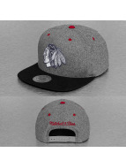 Mitchell & Ness Snapback Cap Greyton Chicago Blackhawks grau