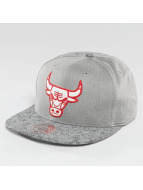 Mitchell & Ness Snapback Cap NBA Cracked Chicago Bulls grau