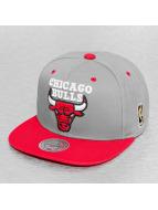 Mitchell & Ness Snapback Cap Chicago Bulls grau