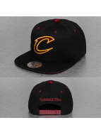 Mitchell & Ness Snapback Cap Solid Velour Cleveland Cavaliers Logo schwarz