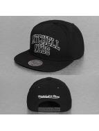 Mitchell & Ness Snapback Cap Black and White Arch schwarz