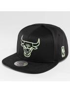 Mitchell & Ness Black Sports Mesh Chicago Bulls Snapback Cap Black