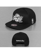 Mitchell & Ness Snapback Caps Black & White Cleveland Cavaliers czarny