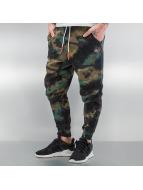 NEFF Спортивные брюки Fletcher Swetz камуфляж