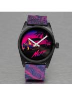 NEFF horloge Daily Wild pink