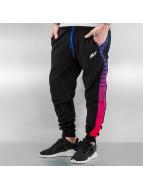 NEFF Pantalone ginnico Lazer Swetz nero