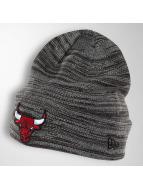 New Era Čiapky Shadow Tech Knit Chicago Bulls šedá