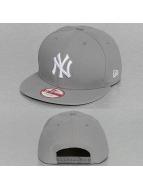 New Era Кепка с застёжкой League Basic New York Yankees серый